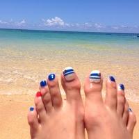 ビーチを走り回りたい♡夏ならやるべきマリンフットネイルカタログ
