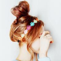 きゅっと愛されヘアアレンジ。カチュームとお団子の素敵なカンケイ
