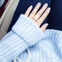 今年の冬に取り入れたいネイルカラーはアイスブルー!絶妙なバランスのその魅力とは♡