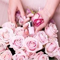 《花柄×ピンク×ビジュー》ネイルの最強説。指先に女の子を宿らせて。