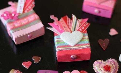 バレンタインは外見で勝負♡手軽なもので簡単にできるラッピング法