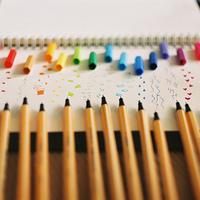 生まれ持った時から包まれる色。誕生日でわかるオーラの色で性格診断