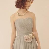 大人女子ならば知っておくべき、結婚式でのネックレスに関するマナー
