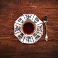 """お客さんを見てカップを選んでくれる。レトロな雰囲気の純喫茶""""茶亭羽當""""って?"""