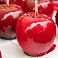"""必ずSNSに上げたくなる。専門店でオシャレに楽しむ""""りんご飴"""""""