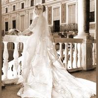 特別な一日に特別な一着を。歴史を感じるヴィンテージウェディングドレスの世界