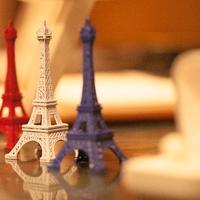 パリのエッフェル塔に泊まれちゃう!世界初のチャンスをゲットして