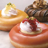〔期間限定〕クリスピークリームドーナツからプレミアムホイップ使用ドーナツが発売
