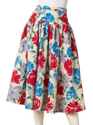 大花柄フレアースカート