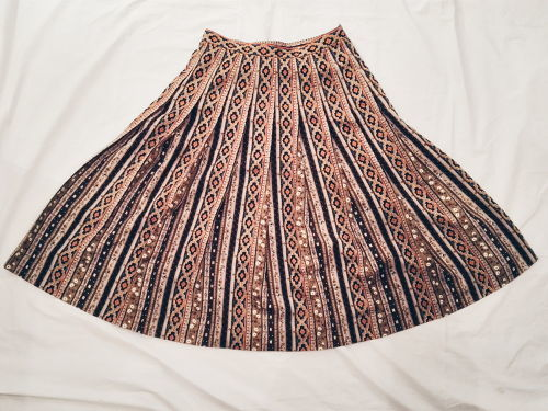 ETHNIC PLEATS SKIRT